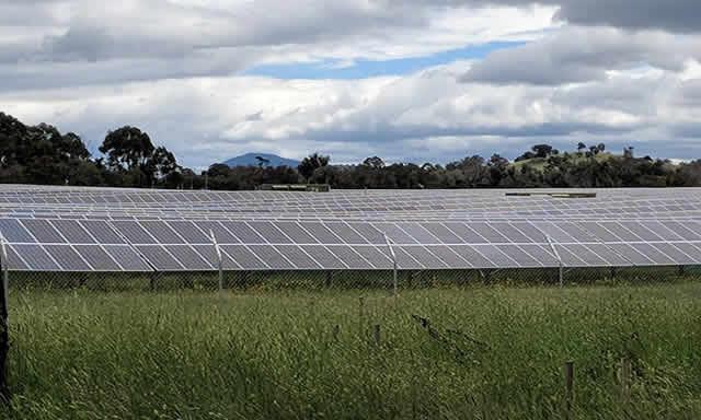 Mugga_Lane_solar_farm_s